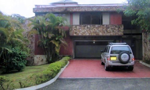 Venta casa en Pance en condominio exclusivo