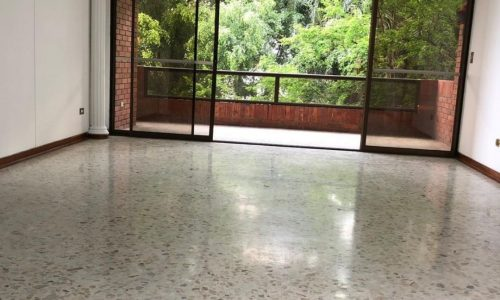 Vende apartamento barrio Santa Mónica Residencial
